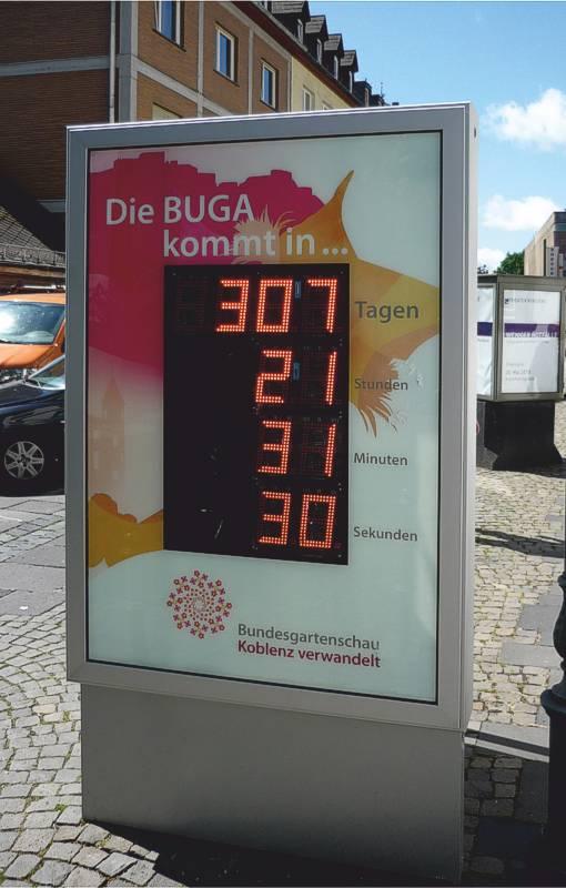 Beidseitige, freistehende PLENUM City-Light mit integrierter LED-Anzeige zur BUGA in Koblenz (AV 111)