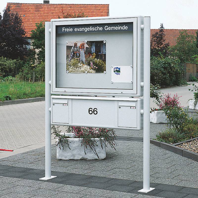 Schaukasten PLENUM G mit untergesetzter Briefkasten-Anlage (AV 452)